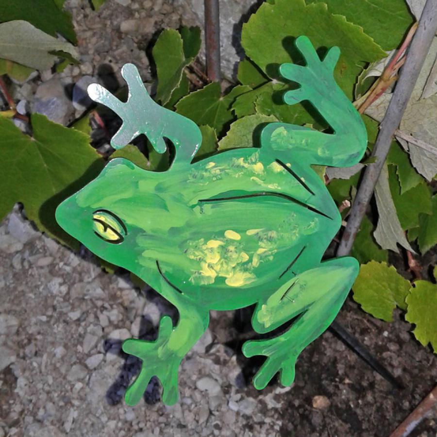 Bemalter Frosch aus Metall