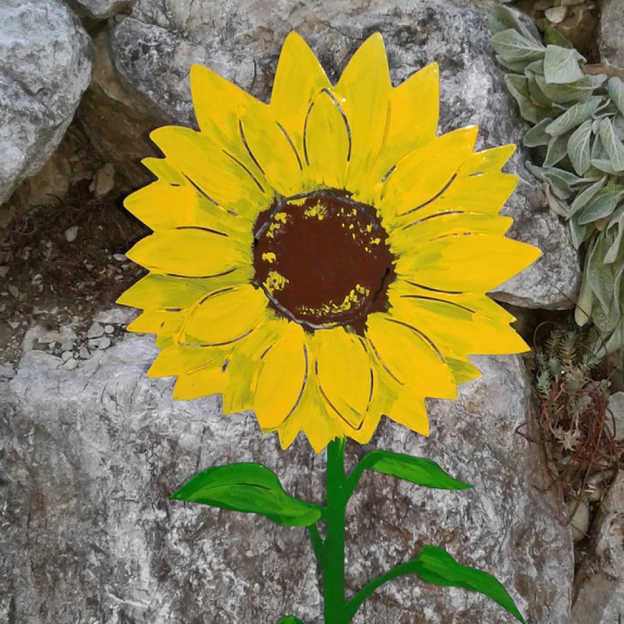 Bemalte Sonnenblume aus Stahl